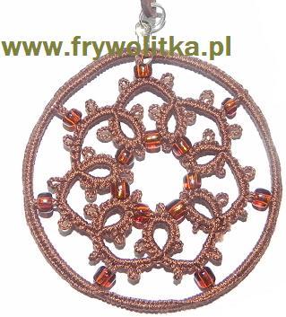 Wisior frywolitkowy - arystokratka z koralikami /kółko śr.5,5cm.