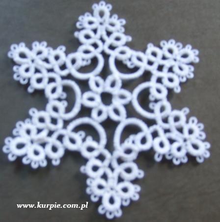 Gwiazdki z frywolitki śnieżynki