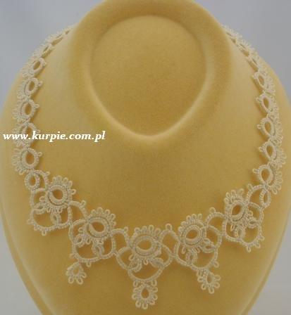 Frywolitkowa biżuteria ślubna